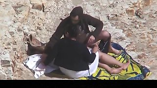 Estrangeiro - Hidden Cam Couple, BBW in the beach sex