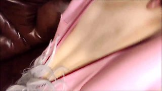 Seductive amateur babe in latex gets her pussy drilled rough