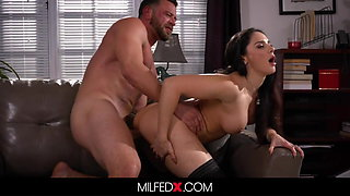 Horny Milf Sex Therapist Fucks Her Client To Cure Limp Dick