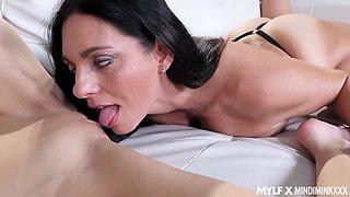 Jillian Janson is sucking toes and licks pussy of hot milf Mindi Mink