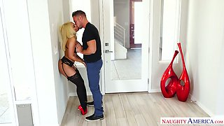 Sex-hungry whore wife Luna Star is having dirty sex with her lover