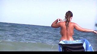 Natural   Milky Big Boobs Girl on Nude Beach