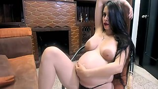 hot pregnant webcam shows belly
