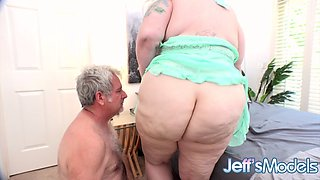 BBW Genevieve LaFleur Convinces BF to Stay Home Using Her Marvelous Assets