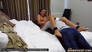 HOW TO EAT PUSSY - GIVE HER AN INSANE ORGASM Ft Jasmine Jae