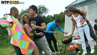 Picnic fun turns in hardcore outdoor orgy!