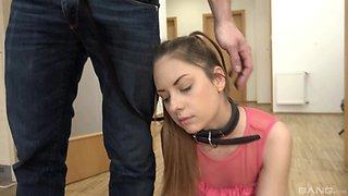 Teen Ellen Betsy sucks an older guy's dick with a belt around her neck