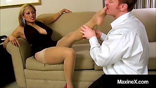 Crazy asian maxine x uses hosed feet &amp wet lips to milk cock