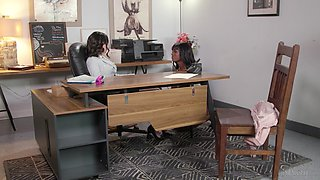 Ebony girl Ana Foxxx gives a cunnilingus to bossy bitch Casey Calvert