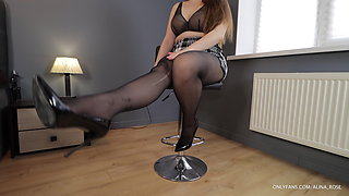Boss tore pantyhose on Secretary and fucked on the bar stool