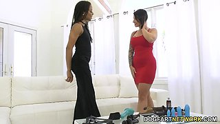 Ivy Lebelle fucks anus and pussy of hot ebony girlfriend Kira Noir