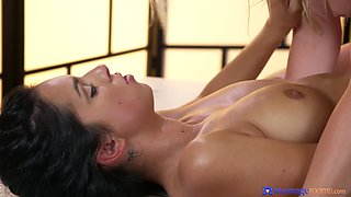 Massage with pussy and ass licking - Samantha Rone and Foxxi Black