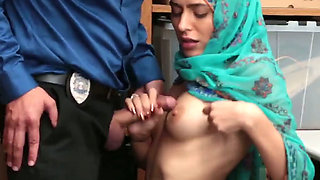 wow beautiful moslima gets abused by security guy