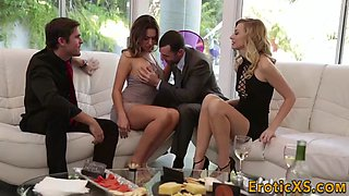 babes fuck in foursome