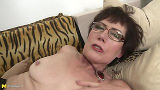 Horny mom Ryanne gets taboo sex with son