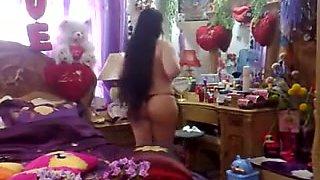 Arab cute wife Aisha show big ass Home alone