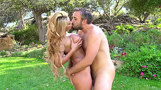 Banging in a gorgeous garden with slutty August Taylor