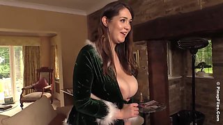 Bella Brewer is a big titted brunette who knows exactly what we would like to see