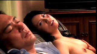 Japanese housewife cuckold in front of drunk husband (full: shortina.com9dno)