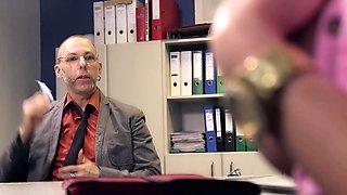 Bums Buero - German MILF secretary in interracial office sex