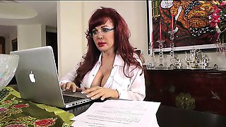 Sexy Vanessa Secretary Gets Off at Desk
