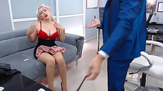 Insidious blonde really wants to seduce the boss