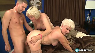Jewel Champagne And With Lola Lee