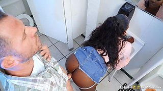 The Pitstop Free Video With Osa Lovely - BRAZZERS