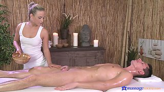 Nice tits and ass Cristal Caitlin loves pleasuring her client