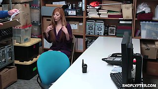 Quickie fucking in the office with Scarlett Snow and Lauren Phillips