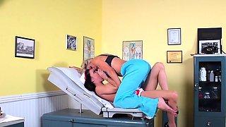 Nicole's Lesbian Doctor Visit