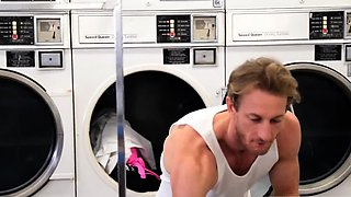 Amateur college party and persuade boss Laundry Day